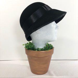 Accessories - Black felt vintage looking hat